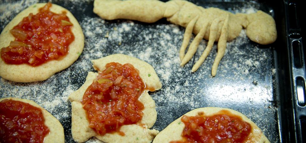 Małe drożdżowe pomidorowe (autor: dorota20w)