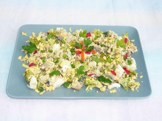 Przepis  sałatka z tuńczyka i brokuła przepis