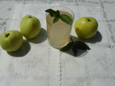 Kompot jabłkowo