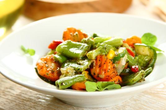 Warzywa z patelni z sosem
