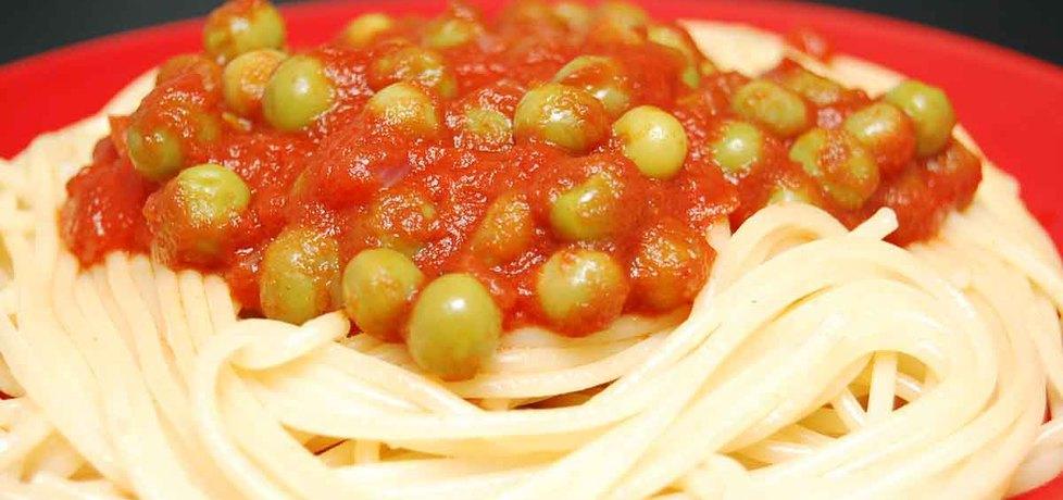 Makaron z sosem pomidorowym i groszkiem (autor: jozefinach ...
