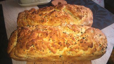 Chlebek włoski z oliwkami i czarnuszką