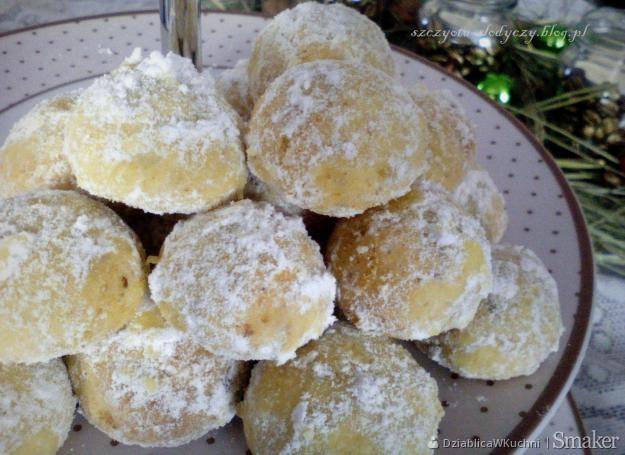 Śnieżne kule – ciasteczka orzechowe z pomarańczą