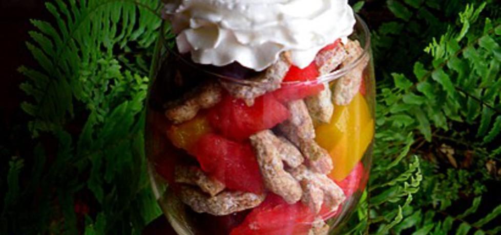 Owocowa sałatka z błonnikiem (autor: mysiunia)
