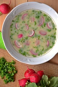 Wiosenna zupa z rzodkiewkami