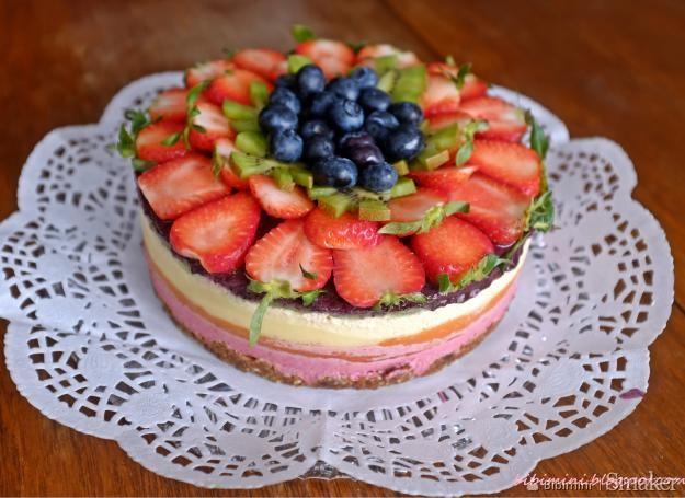 Niezwykły tort tęcza raw paleo