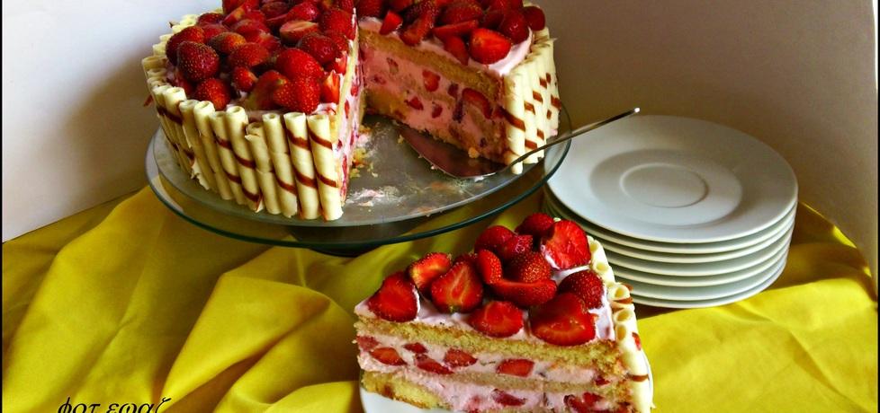 Tort truskawkowy (autor: zewa)