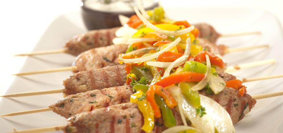 Grill: szaszłyczki wieprzowo-wołowe z przyprawą kebab
