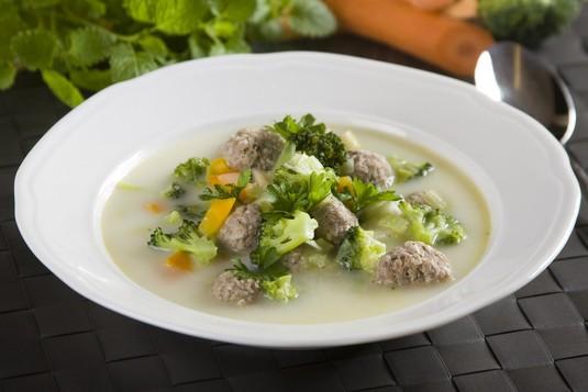 Zupa brokułowa z pulpetami