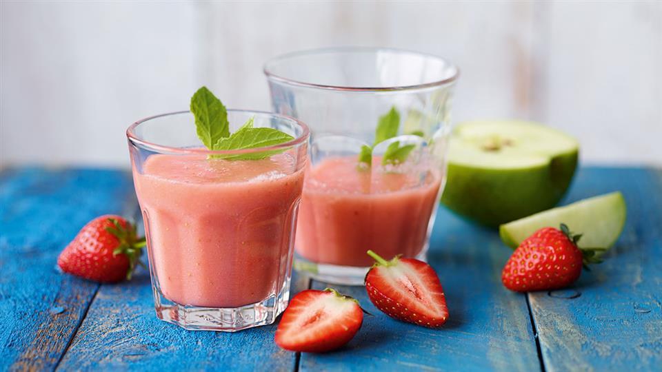 Przepis na smoothie z truskawek i jabłek