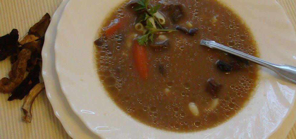 Zupa grzybowa z grzybów suszonych (autor: pestka ...