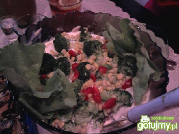 Przepis  kolorowa sałatka z brokułem 3 przepis