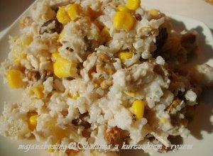 Sałatka z ryżu i kurczaka na słodko
