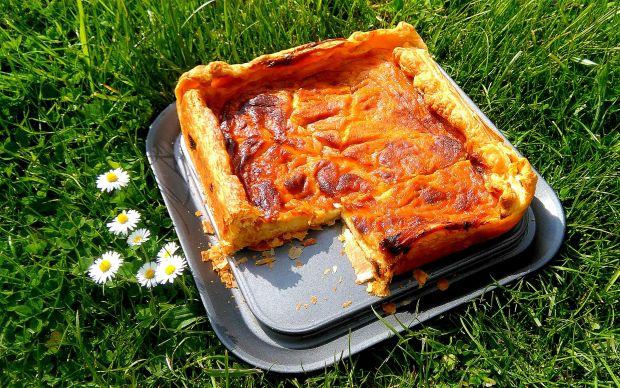 Francuska tarta serowa z musem rabarbarowym przepis