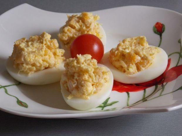 Przepis  jajka faszerowane serem i kukurydzą przepis