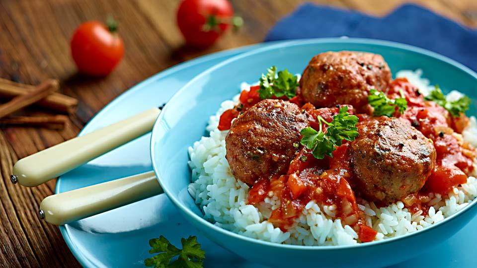 Przepis na pulpety z sosem cynamonowo-pomidorowym