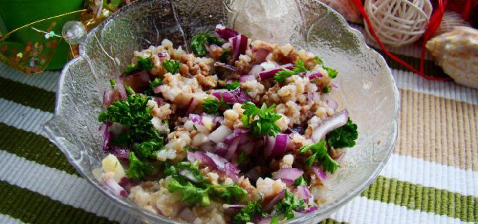 Sałatka z kaszy i tuńczyka (autor: iwa643)