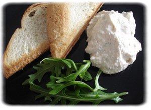 Ser biały z rukolą i grzankami  prosty przepis i składniki