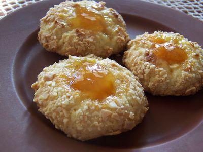 Ciasteczka z dżemem morelowym