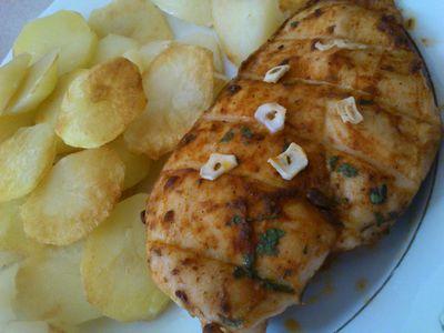 Grillowana pierś kurczaka z pietruszką i czosnkiem ...