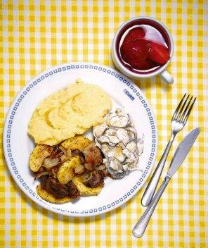 Watróbka z jabłkami i cebulką  prosty przepis i składniki