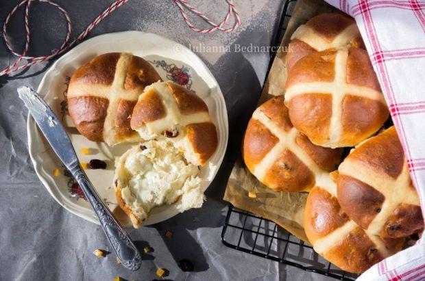 Przepis  hot cross buns  bułeczki z krzyżem przepis