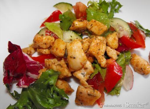 Mix sałat z sosem winegret i kurczakiem