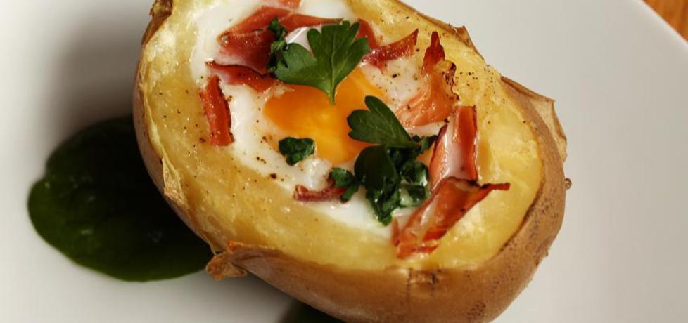 Jajko zapiekane w ziemniaku (autor: iwonadd)