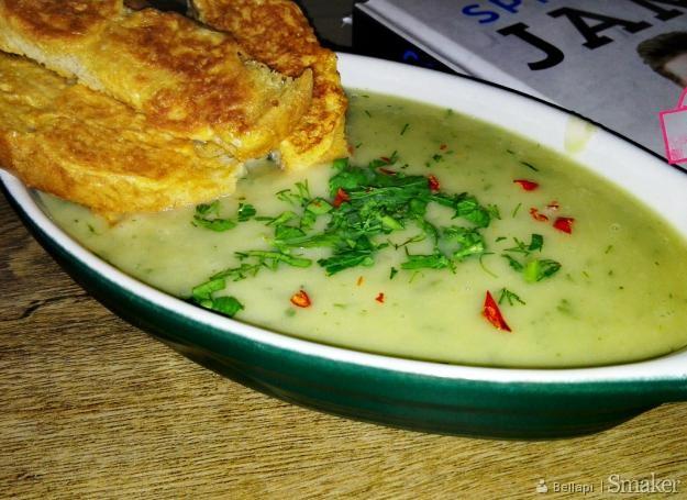 Zupa z fenkułu ( kopru włoskiego ) z francuskimi grzankami ...