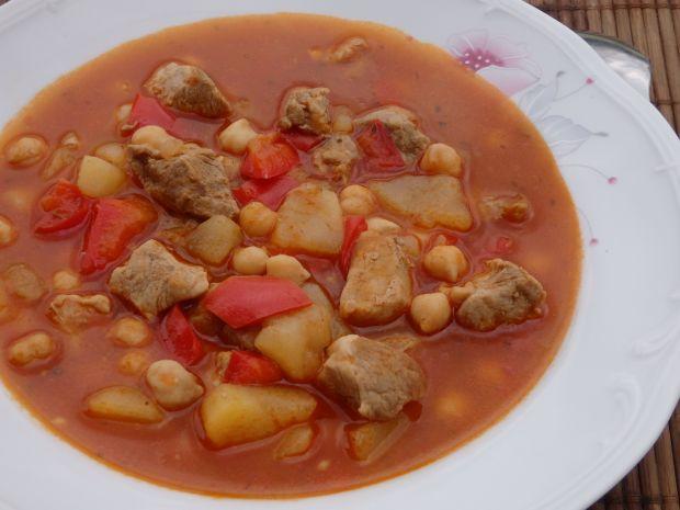 Przepis  zupa gulaszowa z cieciorką przepis