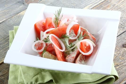Letnia sałatka pomidorowa