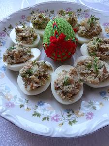 Jajka faszerowane pastą z orzechami