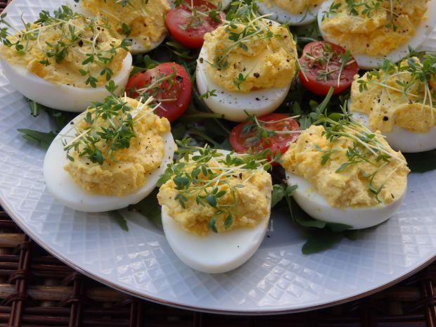 Przepis  jajka z pastą chrzanową przepis