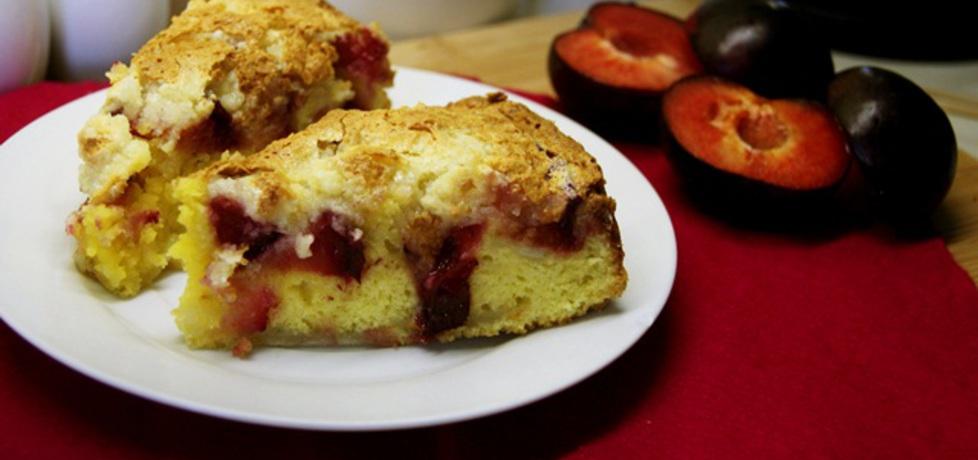 Ciasto ze śliwkami, pianką i kruszonką (autor: apm ...