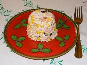 Sałatka z wędzonego kurczaka  prosty przepis i składniki