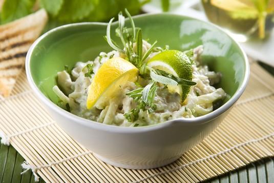 Sałatka ryżowo  śledziowa