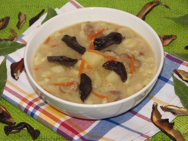 Przepis  zupa grzybowa z makaronem przepis