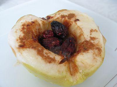 Pieczone jabłka z miodem i cynamonem