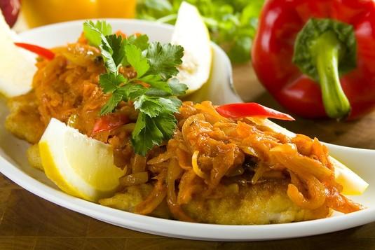 Smaczna ryba z warzywami po grecku