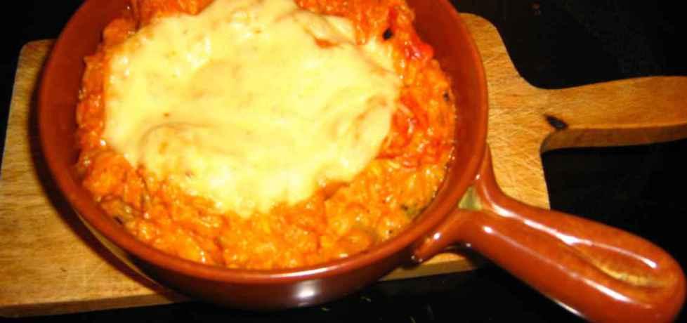 Zapiekanka pikantna na ryżu, z kurczakiem, brokułem i pomidorem ...