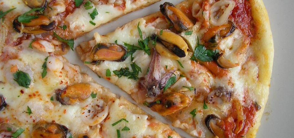 Pizza na cienkim cieście z owocami morza (autor: ola1984 ...