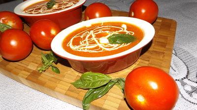 Zupa pomidorowa ze świeżych pomidorów z włoską nutą ...