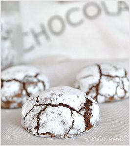 Pękające czekoladowe ciasteczka