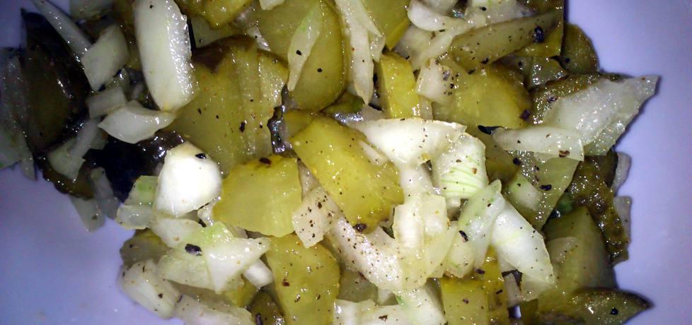 Sałatka obiadowa z korniszonów (autor: sylwiasl)