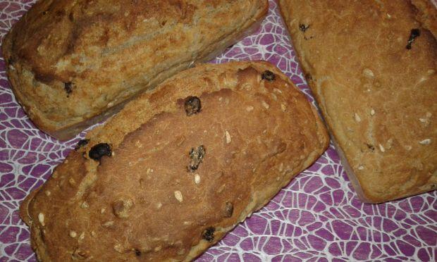 Przepis  chlebek domowy z włoskimi orzechami przepis