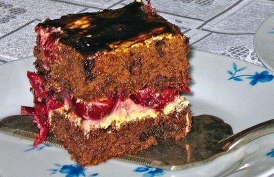 Ciasto z wiśniami i kremem