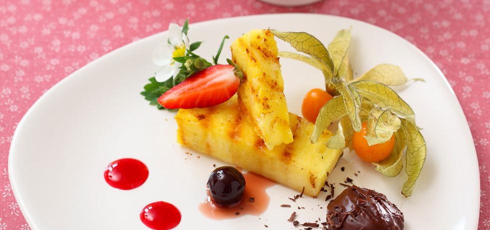 Wiesław bober: ananas grillowany z cynamonem, podany z musem ...