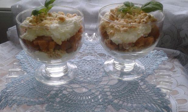 Przepis  prosty deserek z karmelizowaną gruszką przepis