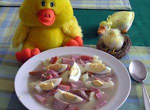 Żurek z jajkiem i ziemniakami  prosty przepis i składniki