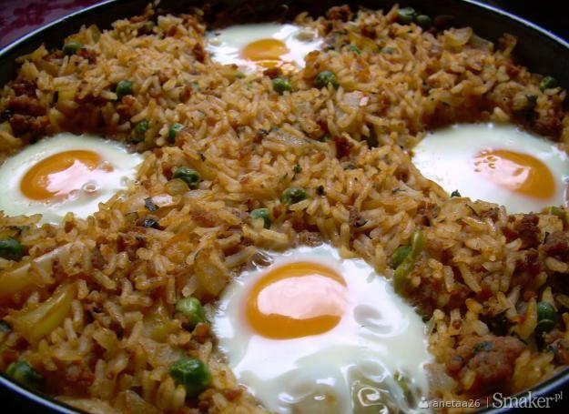 Zapiekany ryz z miesem i jajkiem